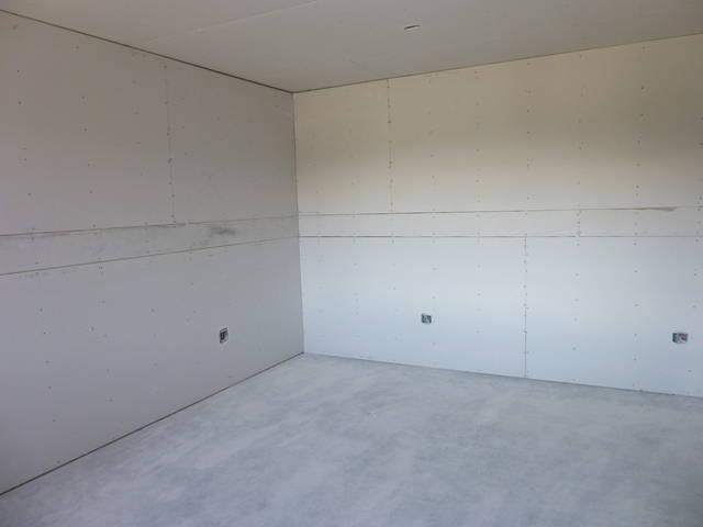 White Walls 2